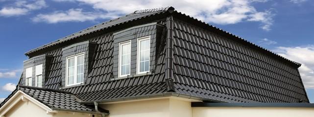 Panoramabild von einem neuen Dach  Fototapete
