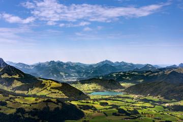Blick auf den Walchsee und die Alpen