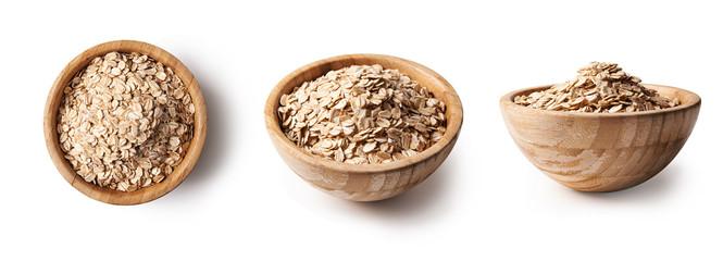 raw oat on bowl