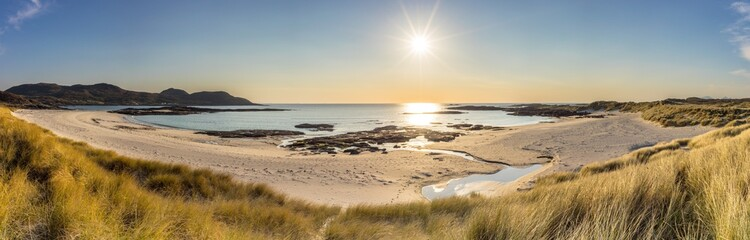 Panoramic shot of Sanna Bay with sun shining, Ardnamurchan Peninsula, Scotland Fototapete