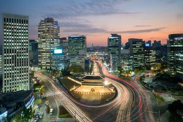 Fotobehang Seoel Seoul Namdaemun gate at night in Seoul ,South Korea.