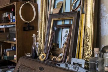Many vintage frames