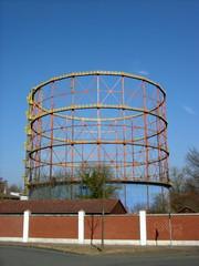 Denkmalgeschützter alter Gasometer vor blauem Himmel im Albersloher Weg in Münster in Westfalen im Münsterland