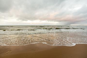 Morze w mroźny zimowy dzień