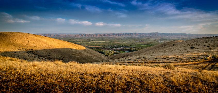 Sun setting over the Yakima Valley in Washington