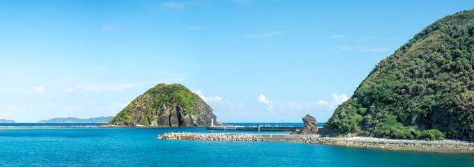 Wall Mural - Die Insel Tokashiki als Teil der Kerama Inselgruppe auf Okinawa, Japan