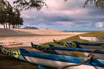outrigger canoes in hawaii