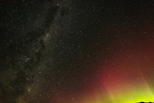 aurora australis and the milkyway