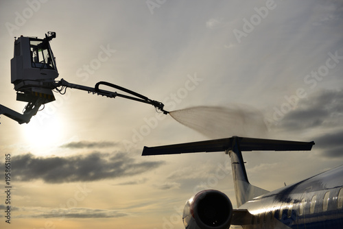 Deicing of airplane Embraer erj 145