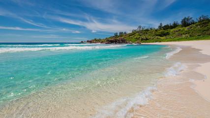 Fototapete - Beautiful Anse Takamaka beach in Mahe island, Seychelles.