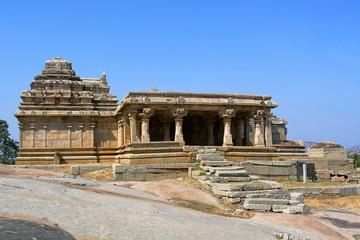 Shiva temple, Hemakuta Hill, Hampi, Karnataka, India
