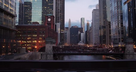 Fototapete - Chicago downtown buildings dolly night evening