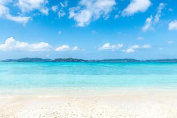 Sommer, Sonne, Strand und Meer im Sommerurlaub auf Okinawa, Japan
