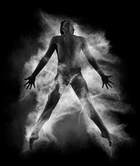 Młody przystojny baletniczy mężczyzna w komarnicy graci pozie - 196205537