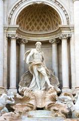 Gros plan sur la fontaine de Trevi à Rome, Italie