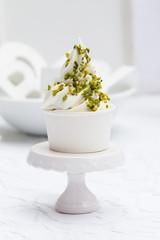Pistazien auf Frozen Yoghurt
