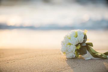 砂浜とブーケ