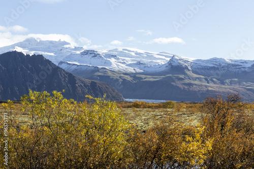 Island Im Herbst Im Suden Der Insel Leuchtendes Farbspiel Im