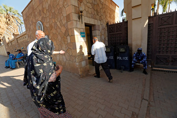 Egyptians living in Sudan arrive to vote at the Egypt Embassy in Khartoum