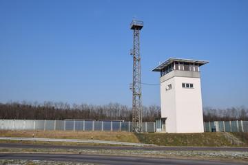 Kontrollturm am ehemaligen Grenzübergang Helmstedt/Marienborn