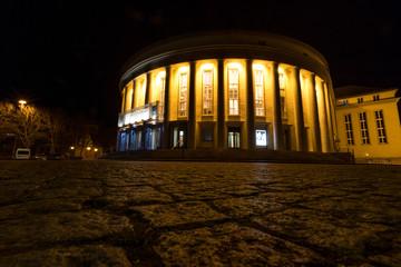 Theater in Saarbrücken bei Nacht
