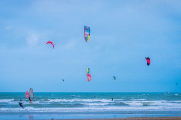 Kitesurf sur la plage de la Grande Motte