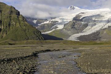 Autumn stream in Iceland