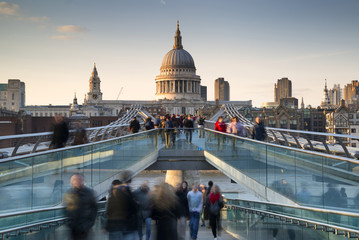 Keuken foto achterwand London St Pauls Cathedral and the Millennium Bridge landscape with blurred tourists