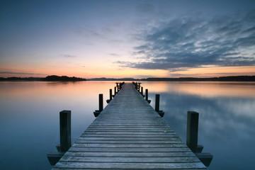 Blick über den See genießen
