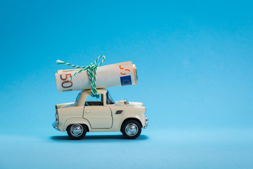 Car toy carrying money