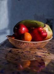 apples orange tangerines fruit basket