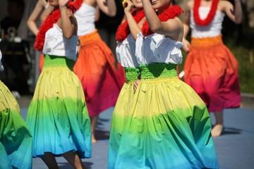 フラダンスの女性