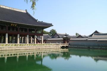 한국의 전통 고궁과 풍경