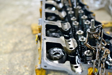 Car head, disassembly of internal combustion engine