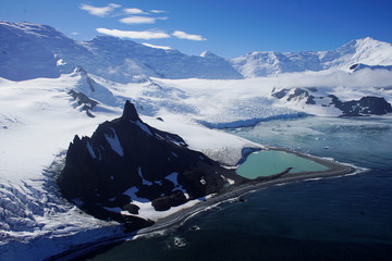The Wider Image: Journey to Antarctica: seals, penguins and glacial beauty