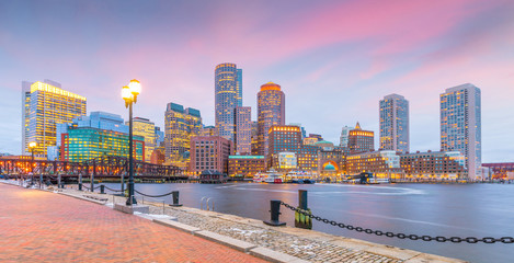Fotomurales - Boston Harbor and Financial District at twilight