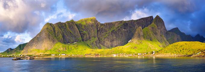 Fotomurales - Fishing village of Reine, Lofoten Islands, Norway