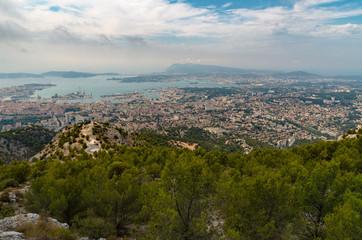 Vue sur la ville de Toulon depuis le mont faron France