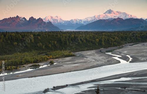 Wall mural Denali Mountain Range Mt McKinley Alaska North America