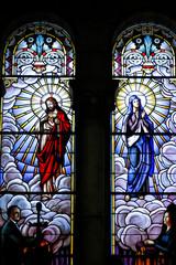 Virgen y cristo en vidriera capilla cripta de la almudena