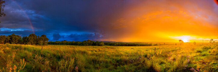 Atardecer en el campo, panoramica