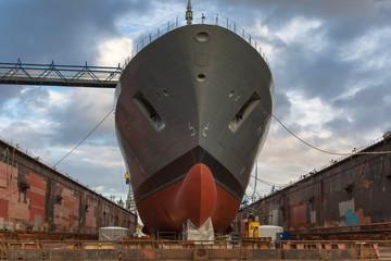 Schiff auf der Werft zur Verschönerung