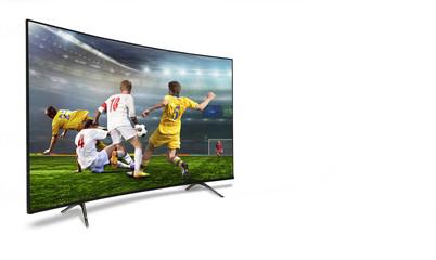 4k monitor watching smart tv translation of football game