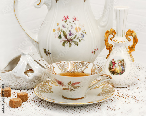 Porcelain Set Vase Sugar Bowl With Brown Sugarteapot And Tea Cup