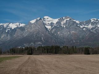 Blick auf das Alpsteinmassiv vom Rheintal aus