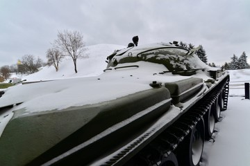キエフの像と戦車, 戦闘機