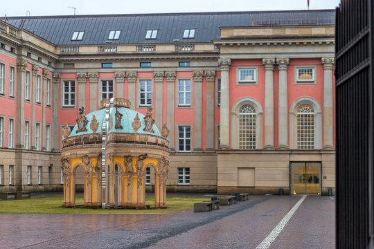 Historische Gebäude am alten Markt in Potsdam