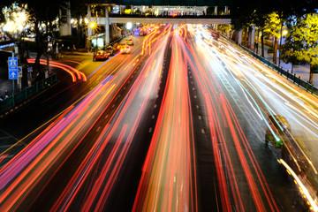 Bangkok, Thailand - March 25, 2018 : Night Traffic at Ratchaprasong Intersection Fotobehang