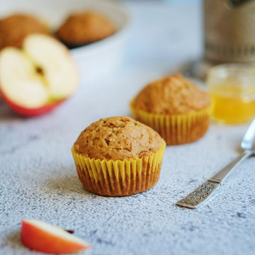Appetizing Muffins with Apples and Cinnamon