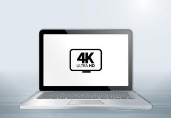 Laptop auf Holztisch - 4K Ultra HD